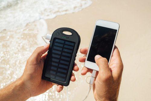Handy mit Sonnenenergie laden